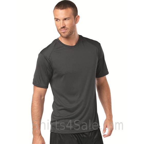 Athletic Fit Sports Shoulders T-shirt